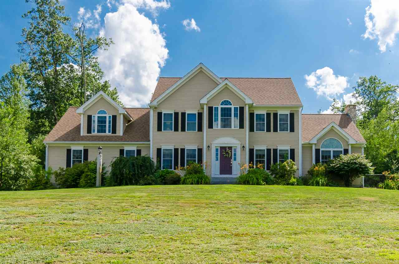 Hollis NHHome for sale $List Price is $565,000
