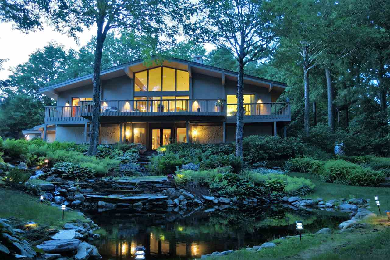 STRATTON VT Lake House for sale $$1,475,000 | $324 per sq.ft.