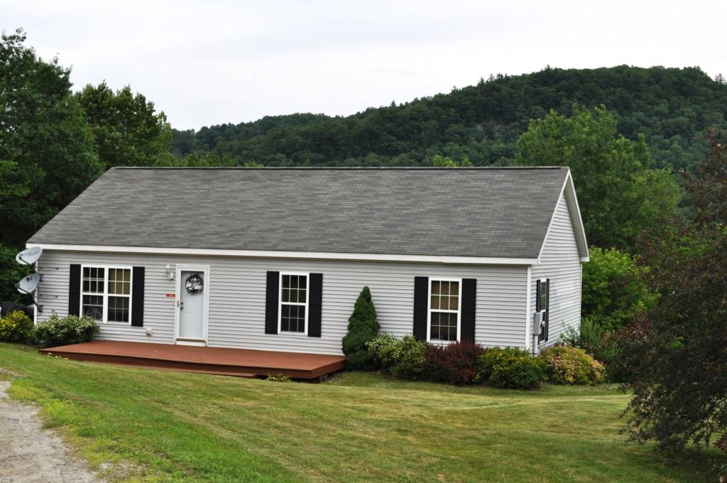 SHARON VT Home for sale $$227,000 | $172 per sq.ft.