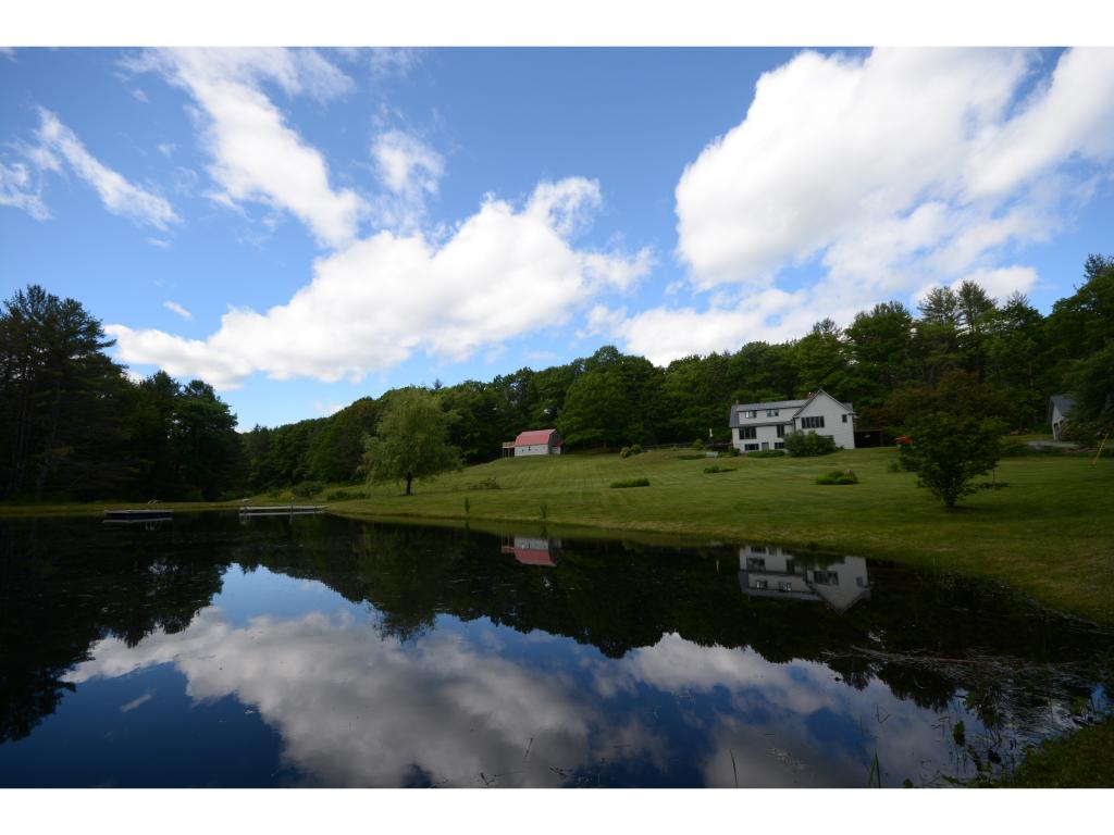 Hartland VT Home or Farm Acres: 31     Beds: 3