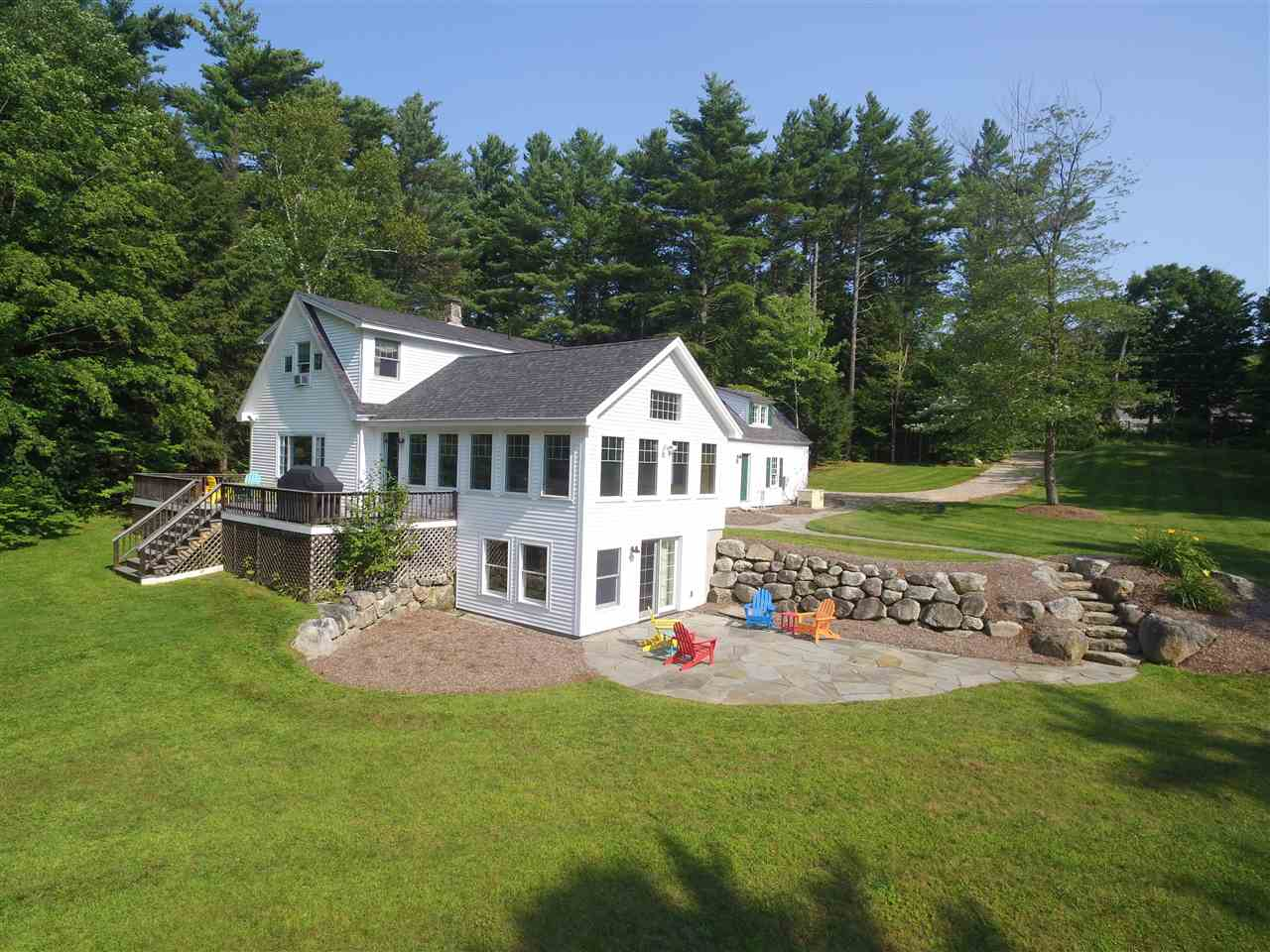 NEW LONDON NH Home for sale $$499,000 | $188 per sq.ft.