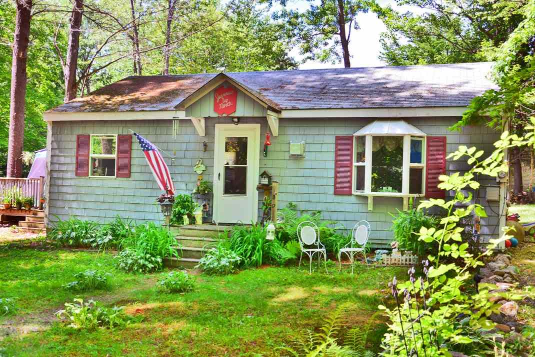 Gilmanton NHHome for sale $$118,000 $147 per sq.ft.