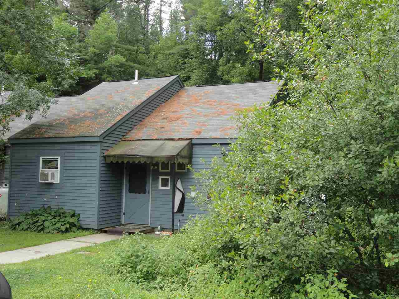 NEWPORT NH Condo for sale $$49,900 | $60 per sq.ft.