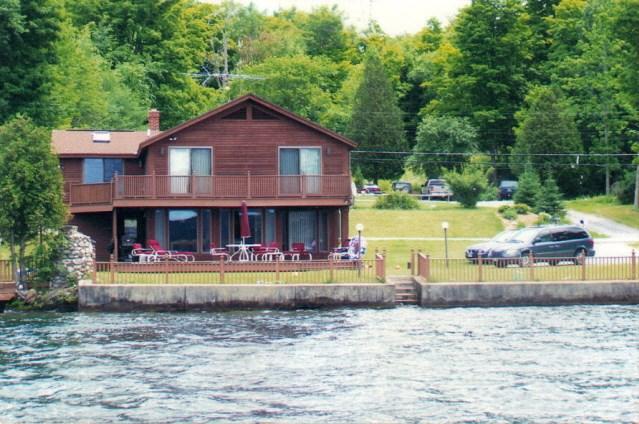 CASTLETON VTLake House for sale $$495,000 | $229 per sq.ft.