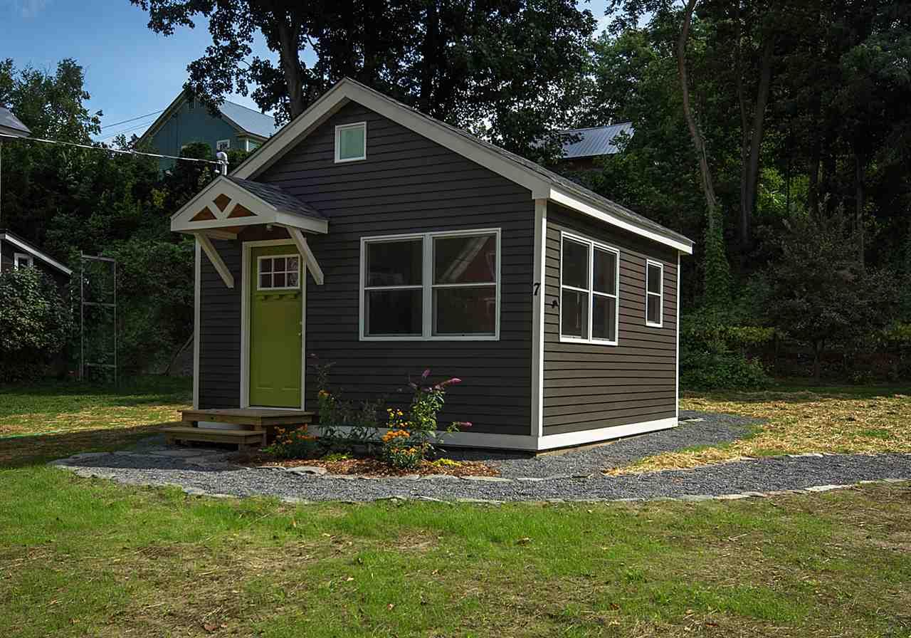 ROCKINGHAM VTHome for sale $$85,000 | $332 per sq.ft.