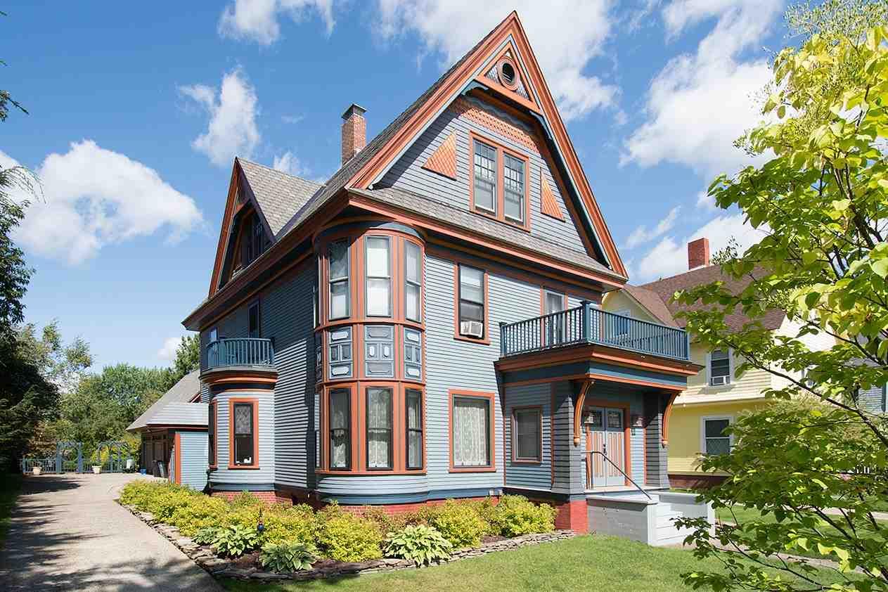 LYNDON VTHome for sale $$389,000 | $141 per sq.ft.