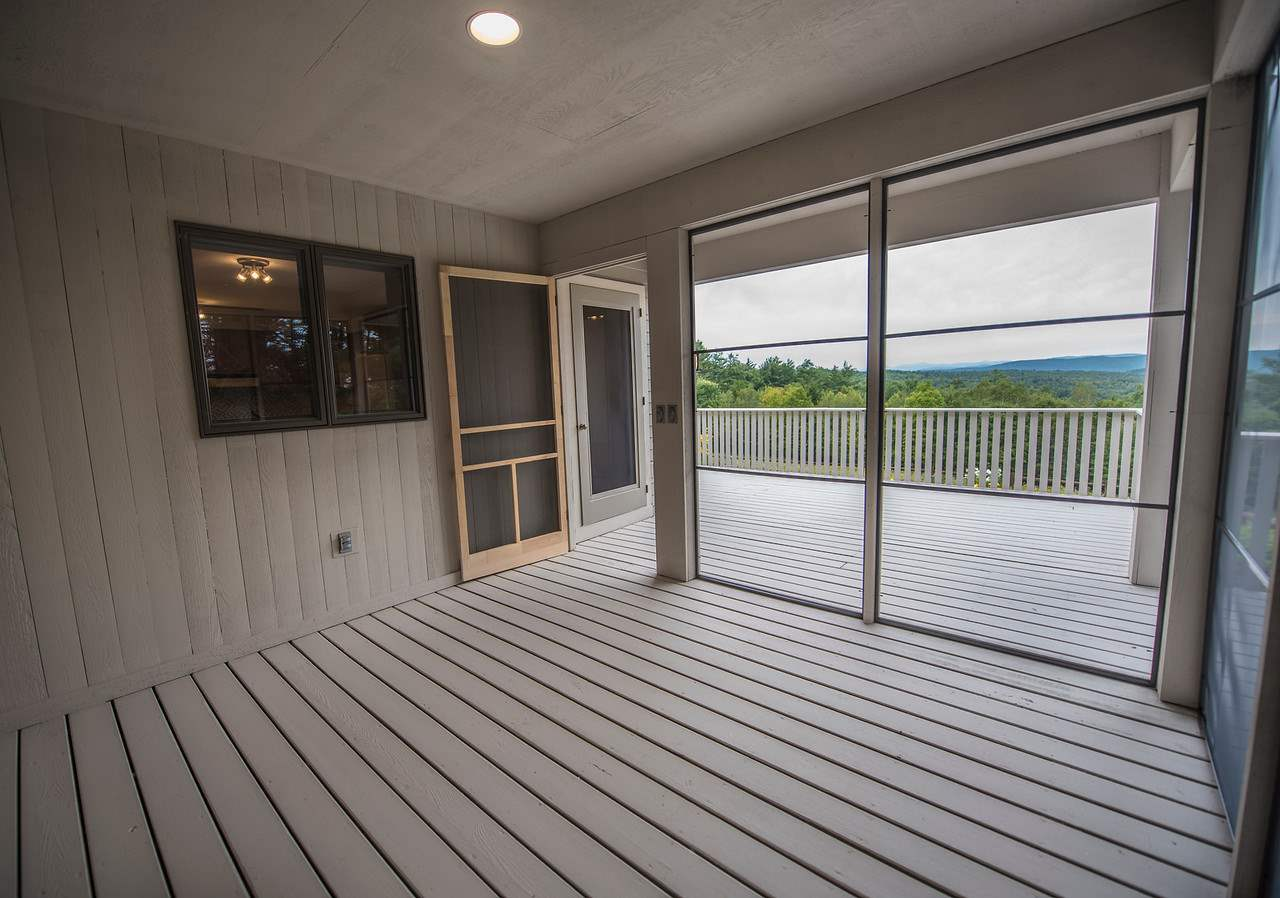 Screened Porch off Kitchen