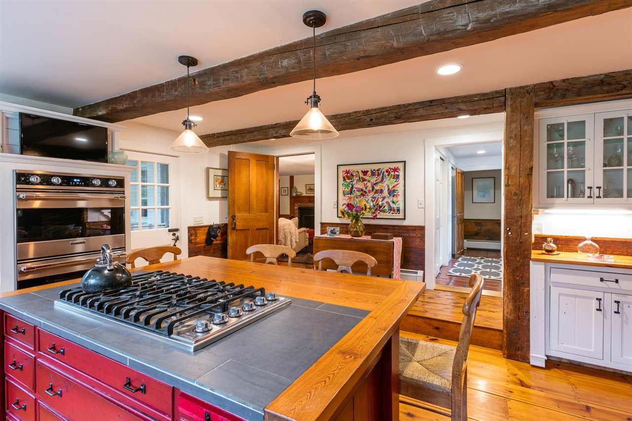 Expansive kitchen