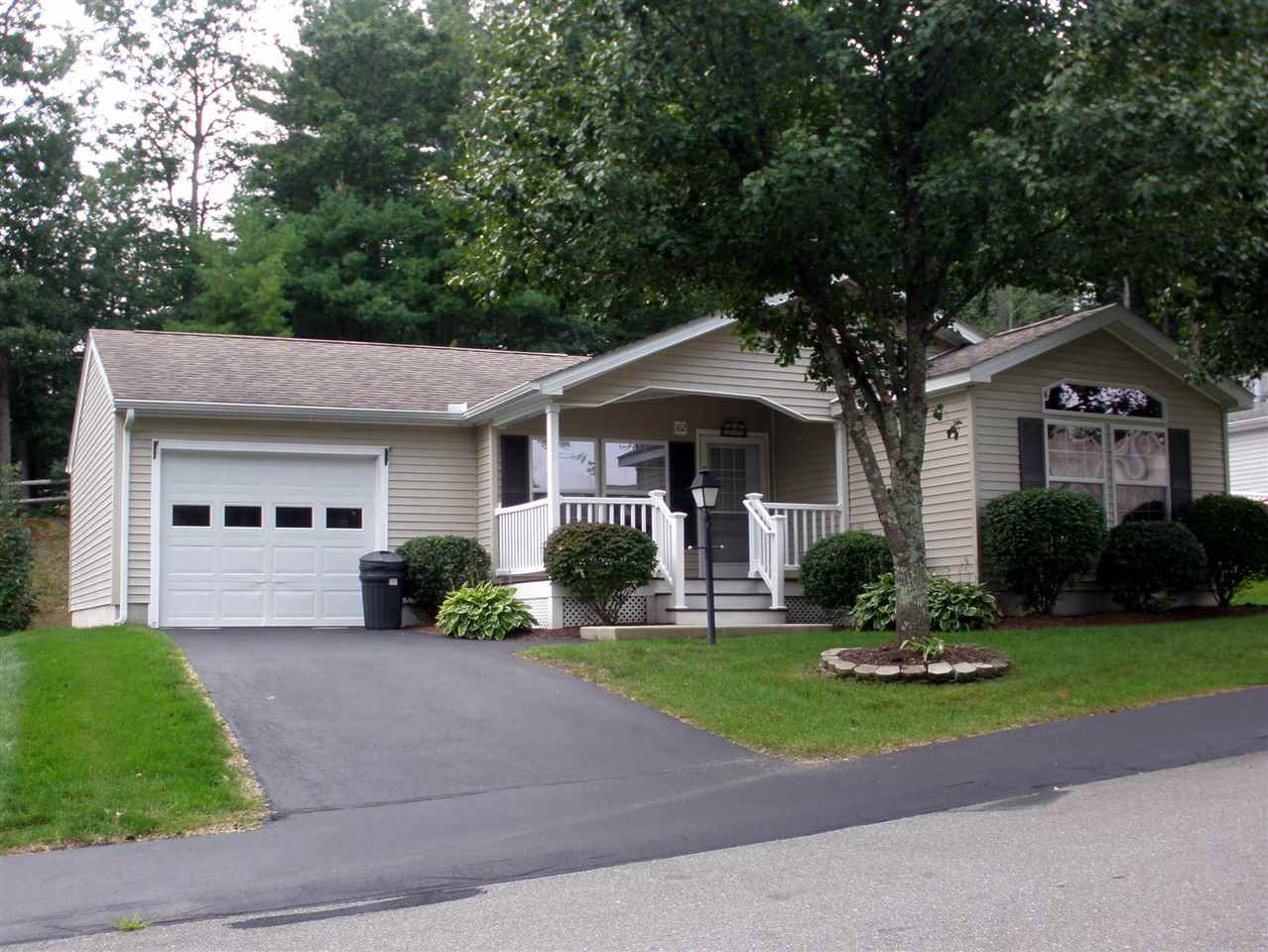 MANCHESTER NHMobile-Manufacured Home for sale $$164,900 | $120 per sq.ft.