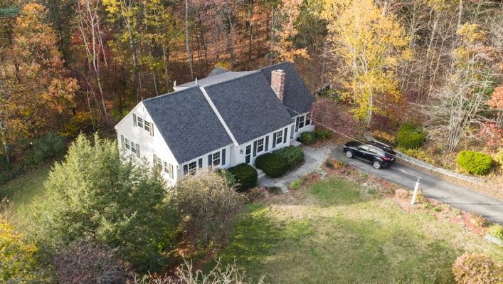 Hooksett NH Home for sale $List Price is $332,900