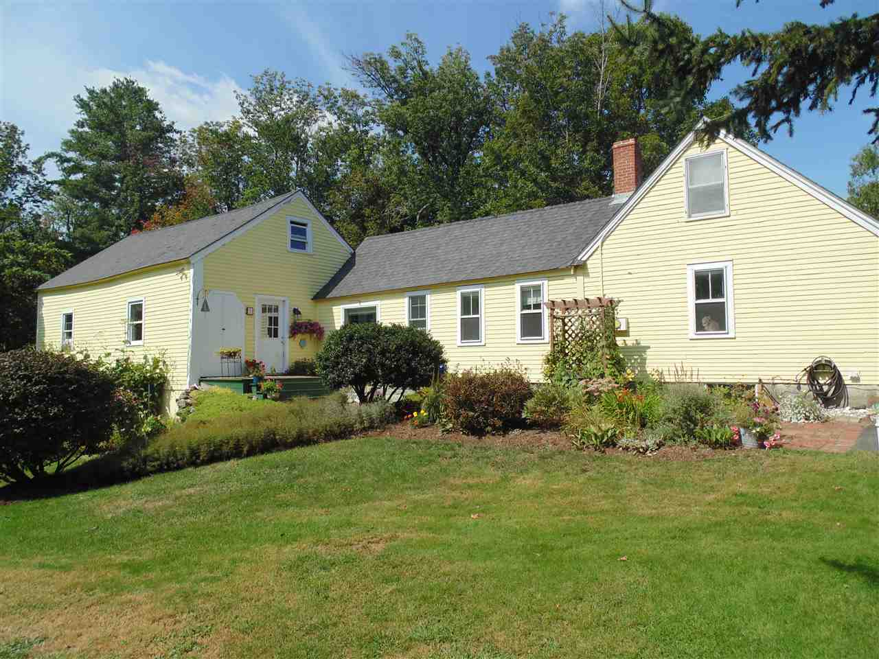 Mont Vernon NH Home for sale $List Price is $259,900