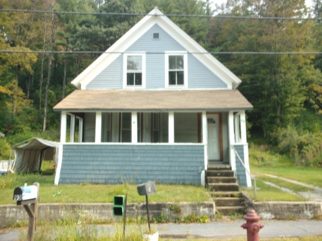 VILLAGE OF ASHUELOT IN TOWN OF WINCHESTER NHHome for sale $$43,900   $27 per sq.ft.