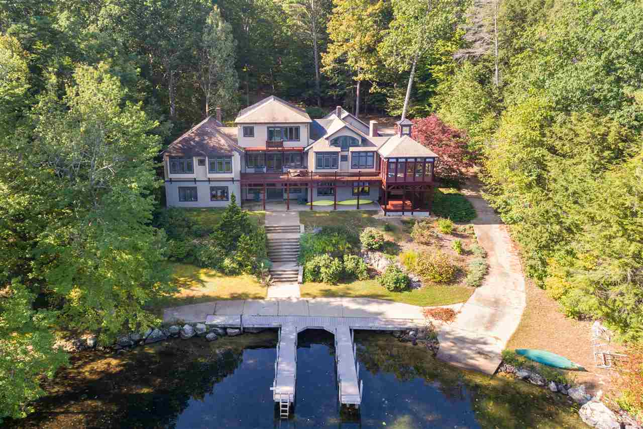 MOULTONBOROUGH NH Lake House for sale $$1,895,000 | $521 per sq.ft.