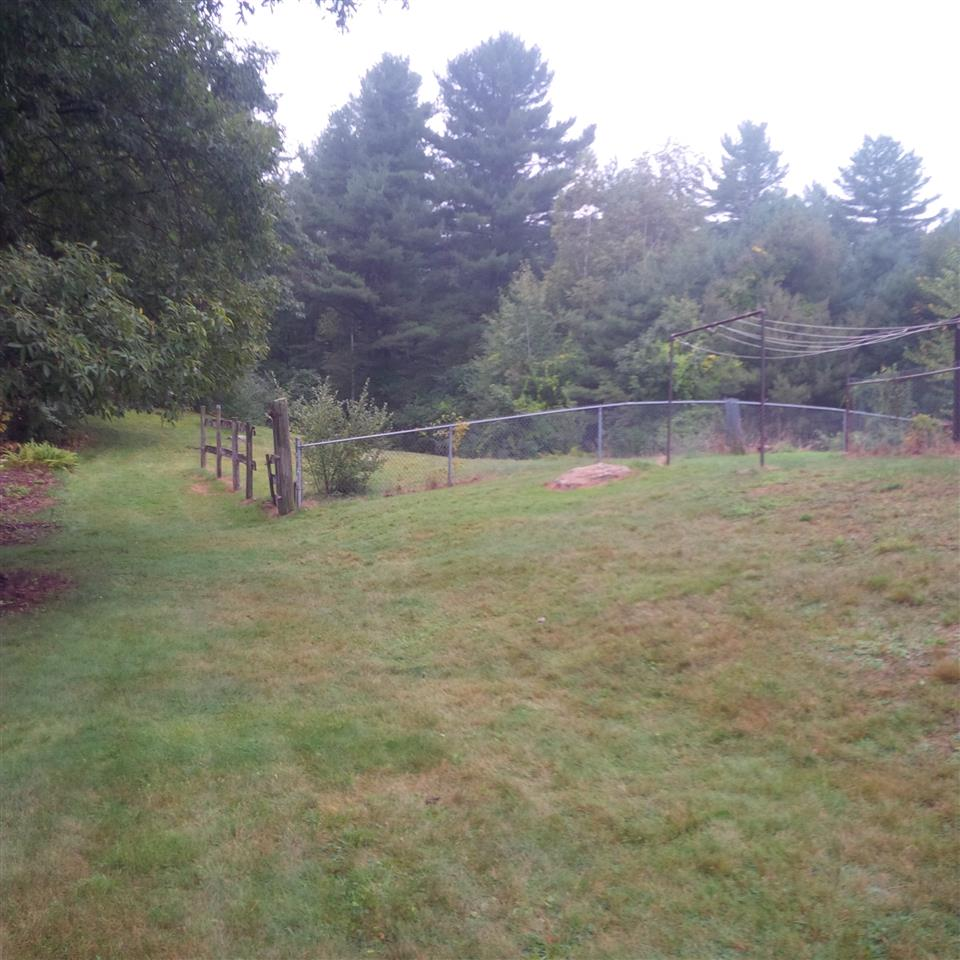 33 Beacon Hill Road Derry Nh Derry Nh Area Residential