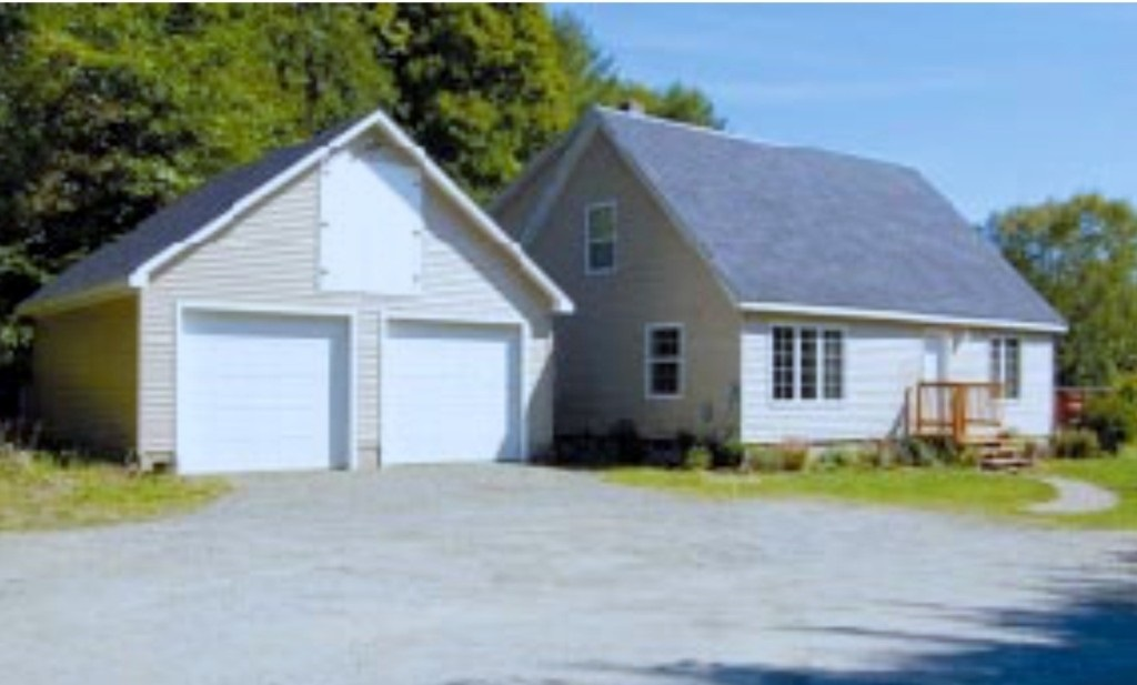 Hartland VT Home for sale $List Price is $289,000