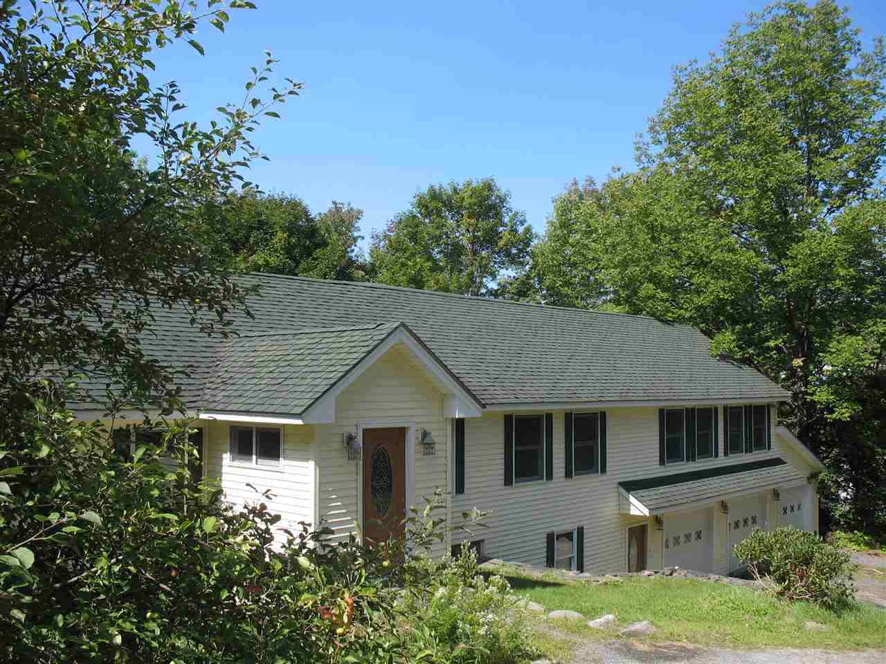 HANOVER NH Home for sale $$425,000 | $185 per sq.ft.