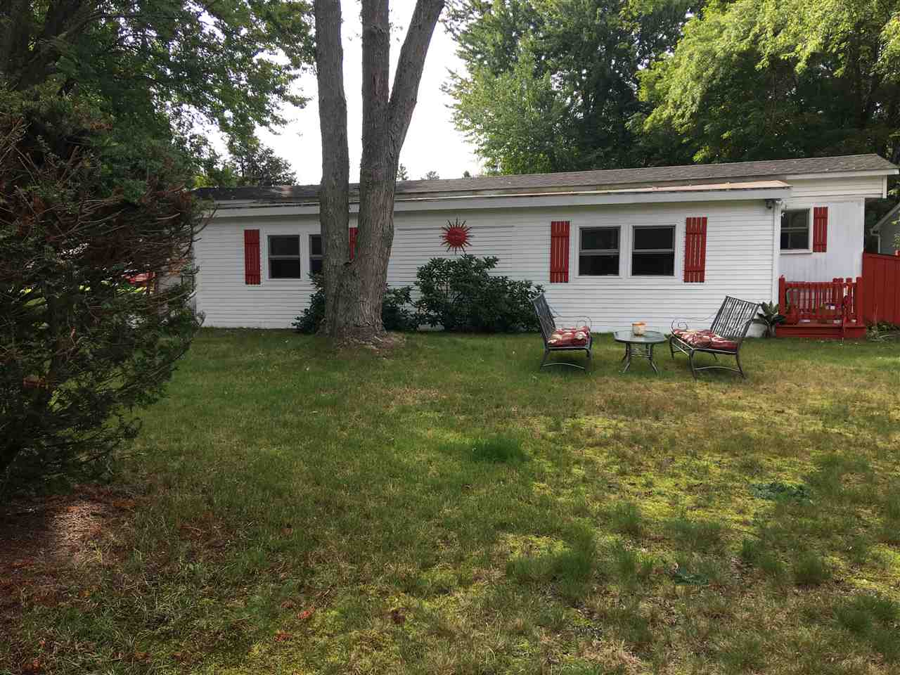 Nashua NH Mobile-Manufacured Home for sale $List Price is $75,900