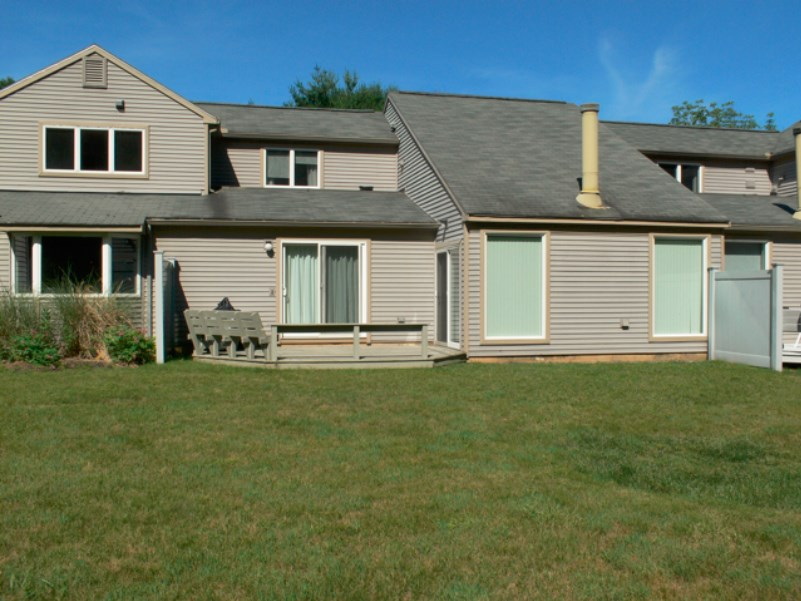 Nashua NH Condo for sale $List Price is $240,000