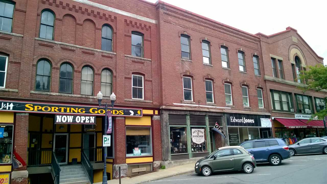 VILLAGE OF BELLOWS FALLS IN TOWN OF ROCKINGHAM VTCommercial Lease for rent $Commercial Lease For Lease: $425 with Lease Term