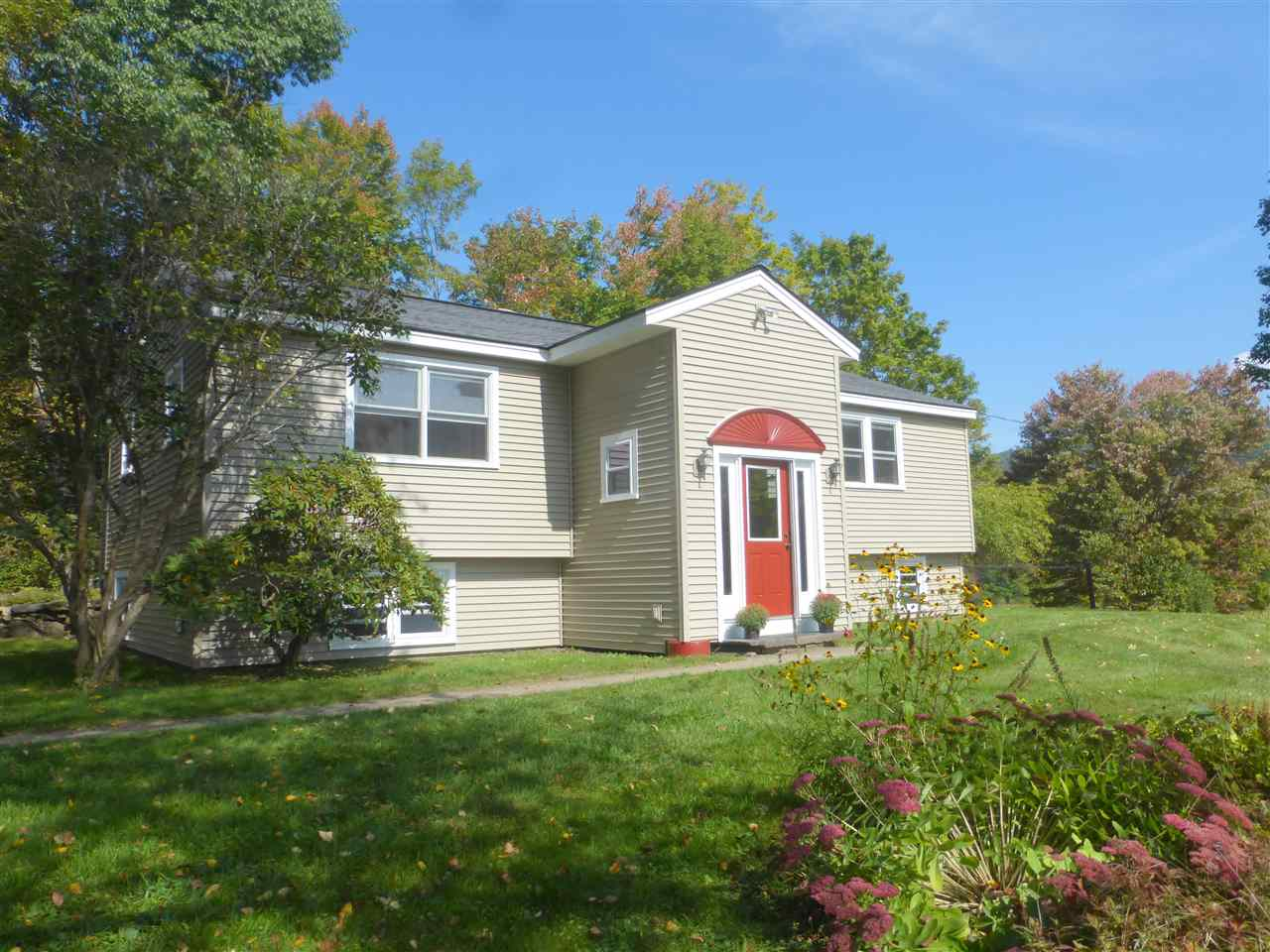 LYME NH Home for sale $$459,000 | $281 per sq.ft.