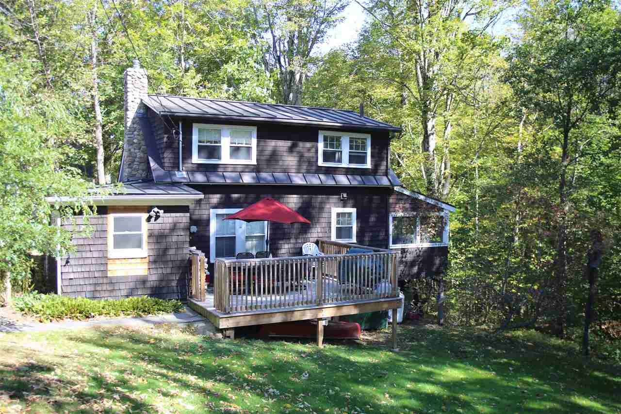 NEW LONDON NH Lake House for sale $$149,900 | $165 per sq.ft.