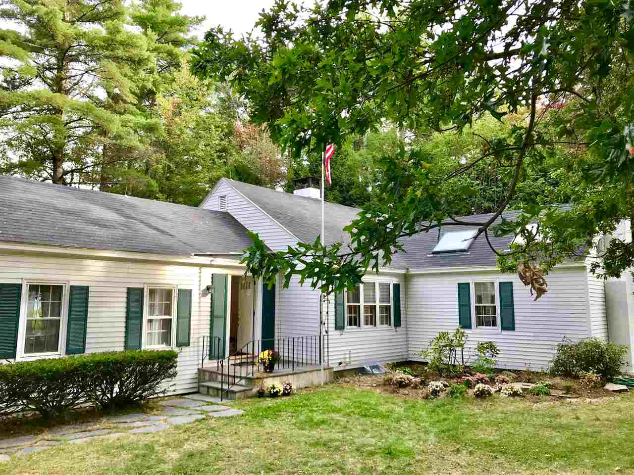 NEW LONDON NH Home for sale $$370,000 | $150 per sq.ft.