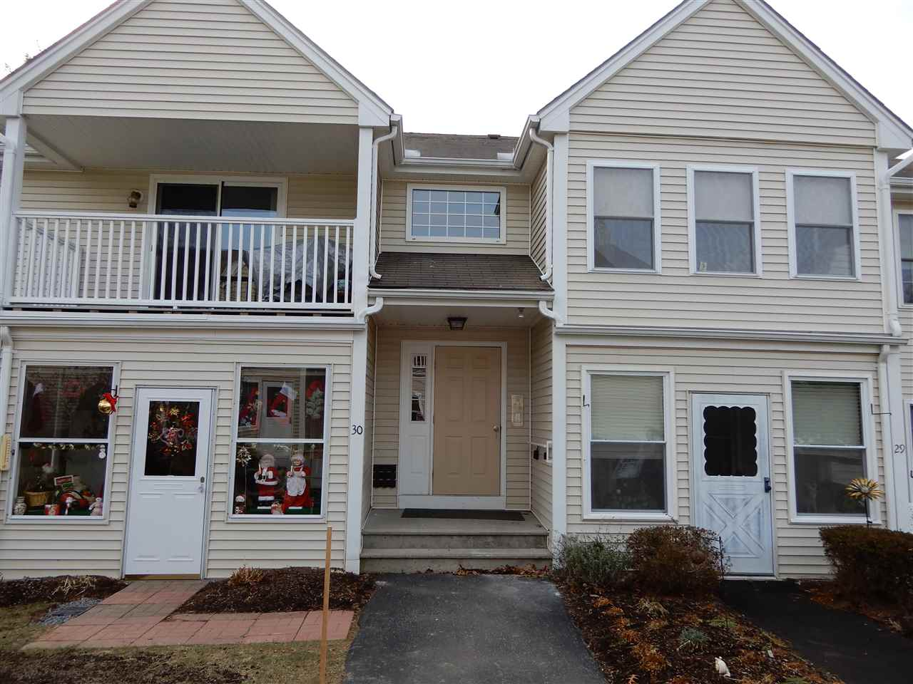 Londonderry NH Condo for sale $List Price is $138,900