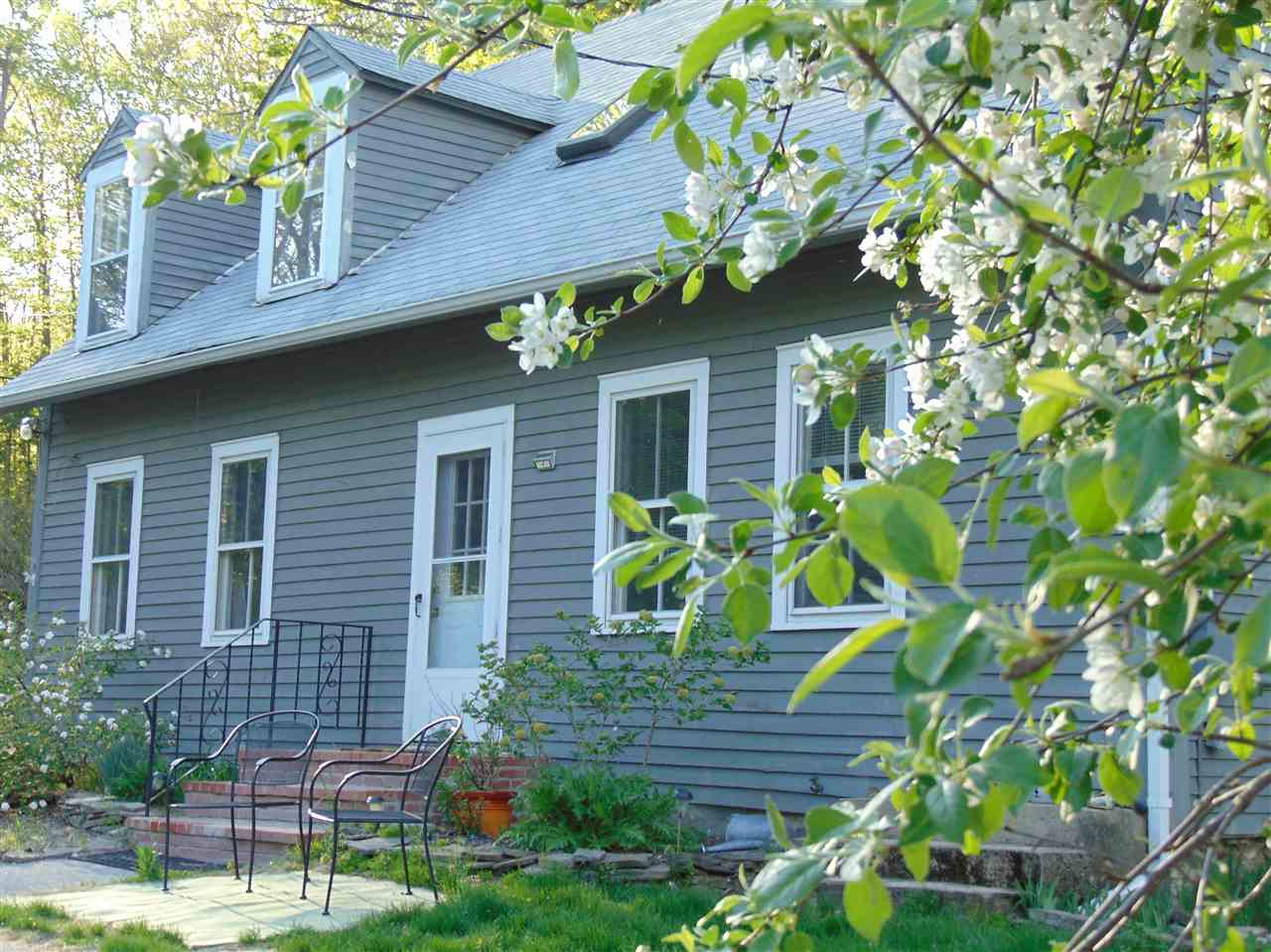 Lyndeborough NHHome for sale $List Price is $344,900