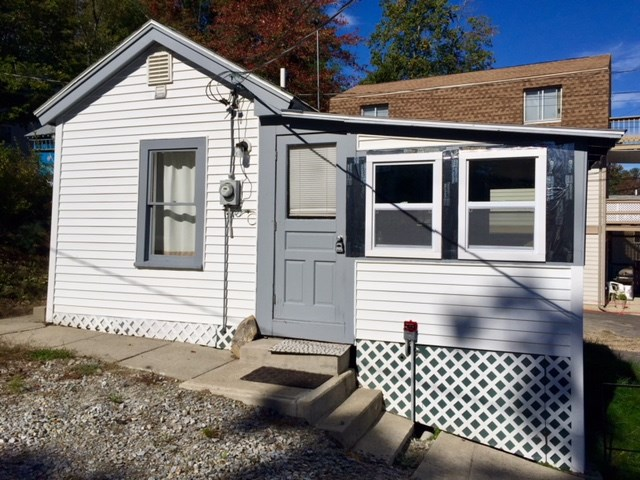 Derry NH Home for sale $List Price is $59,900
