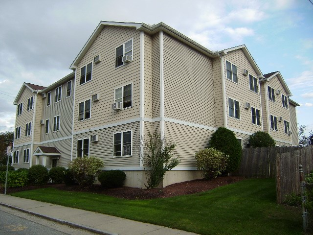 Nashua NH Condo for sale $List Price is $119,900