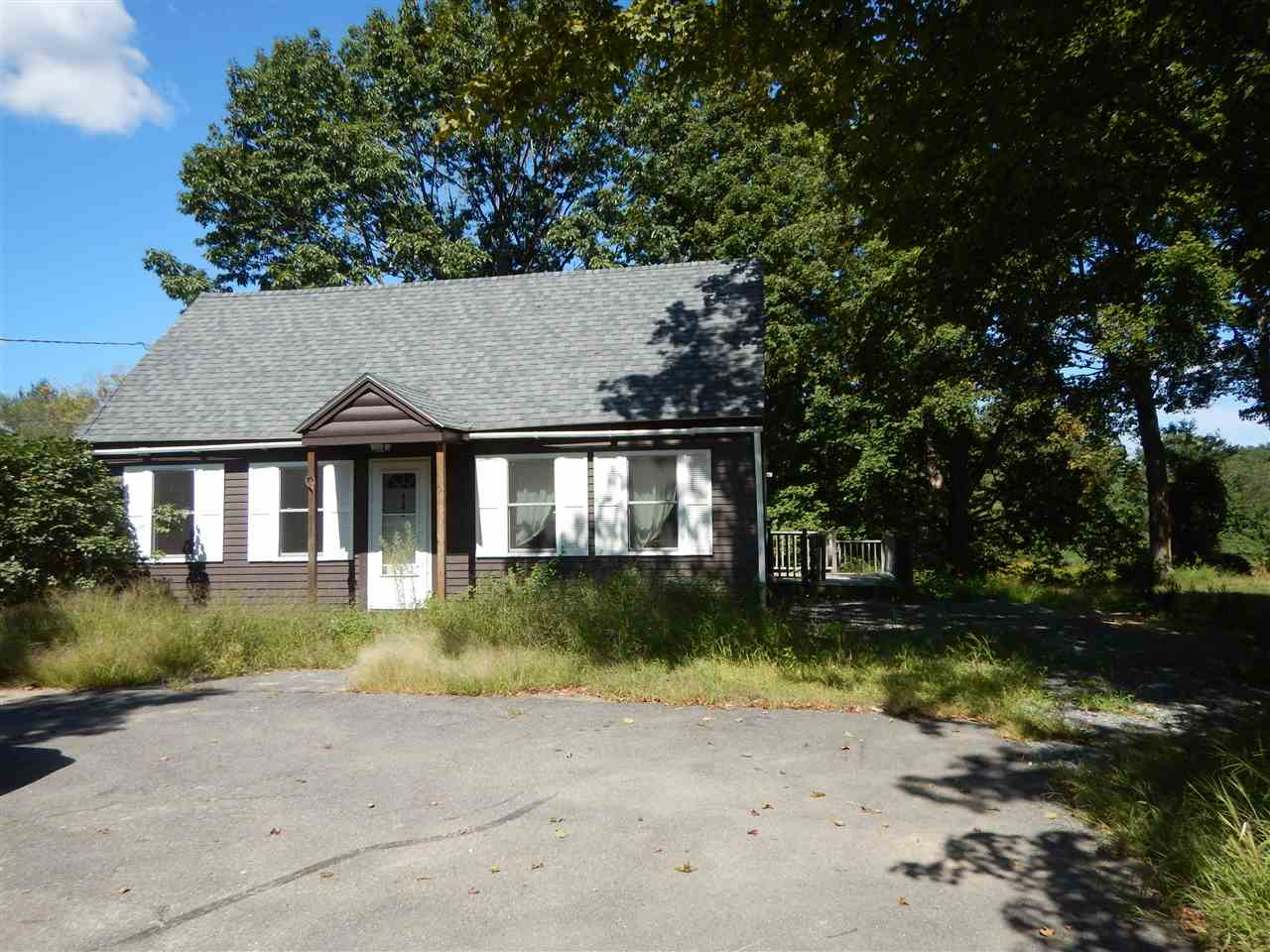 Raymond NH Home for sale $List Price is $100,000