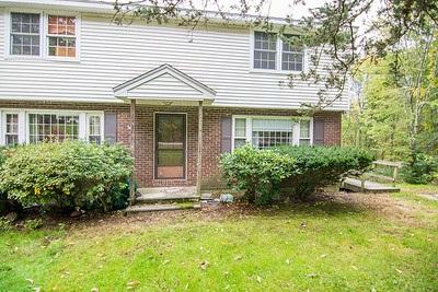 Pelham NHCondo for sale $List Price is $179,900