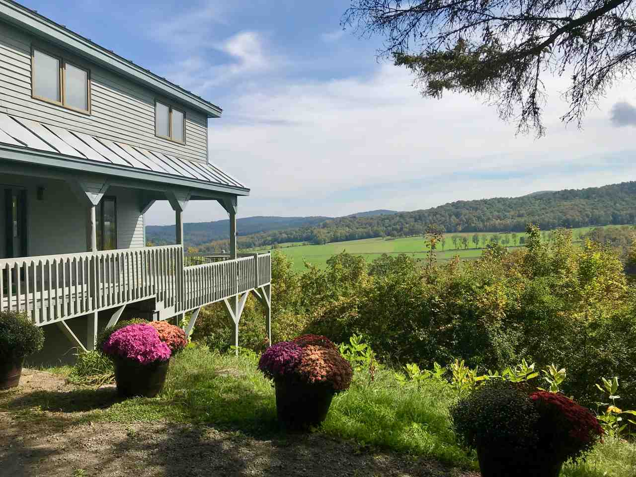 POMFRET VT Home for sale $$399,000 | $190 per sq.ft.