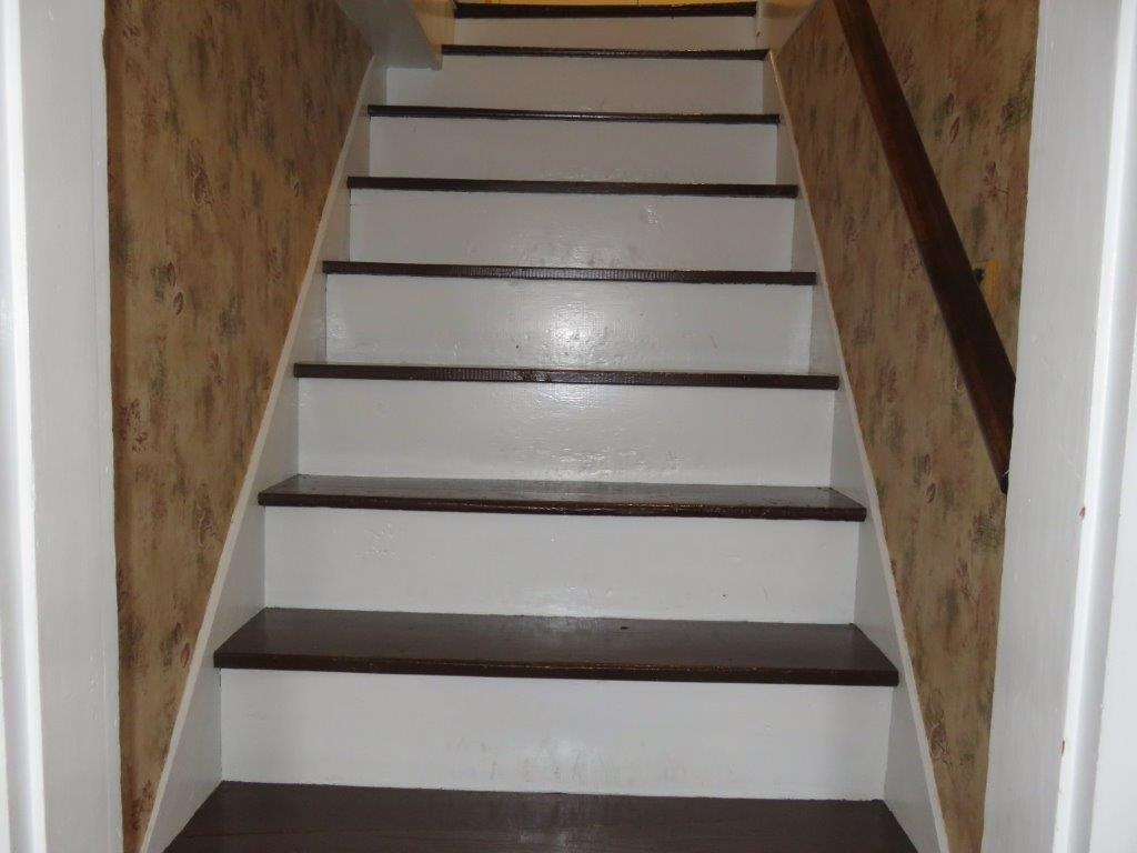 Staircase To 2nd Floor 11130018