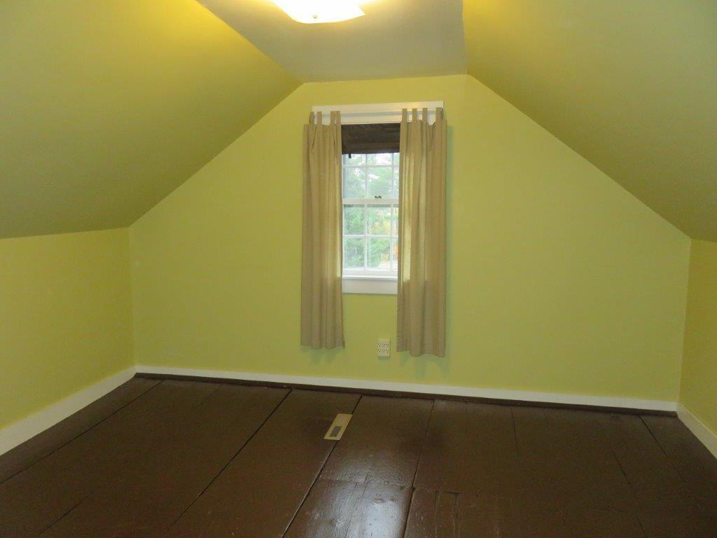 2nd Floor Bedroom 11130028