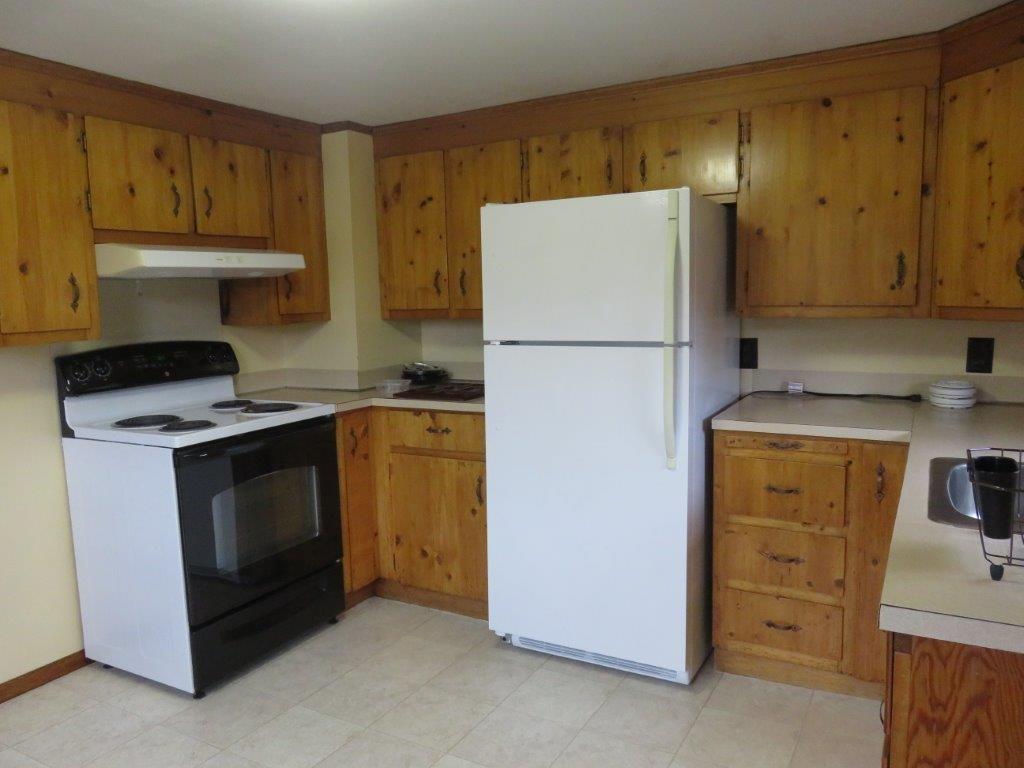 Sun Filled Kitchen 11130021