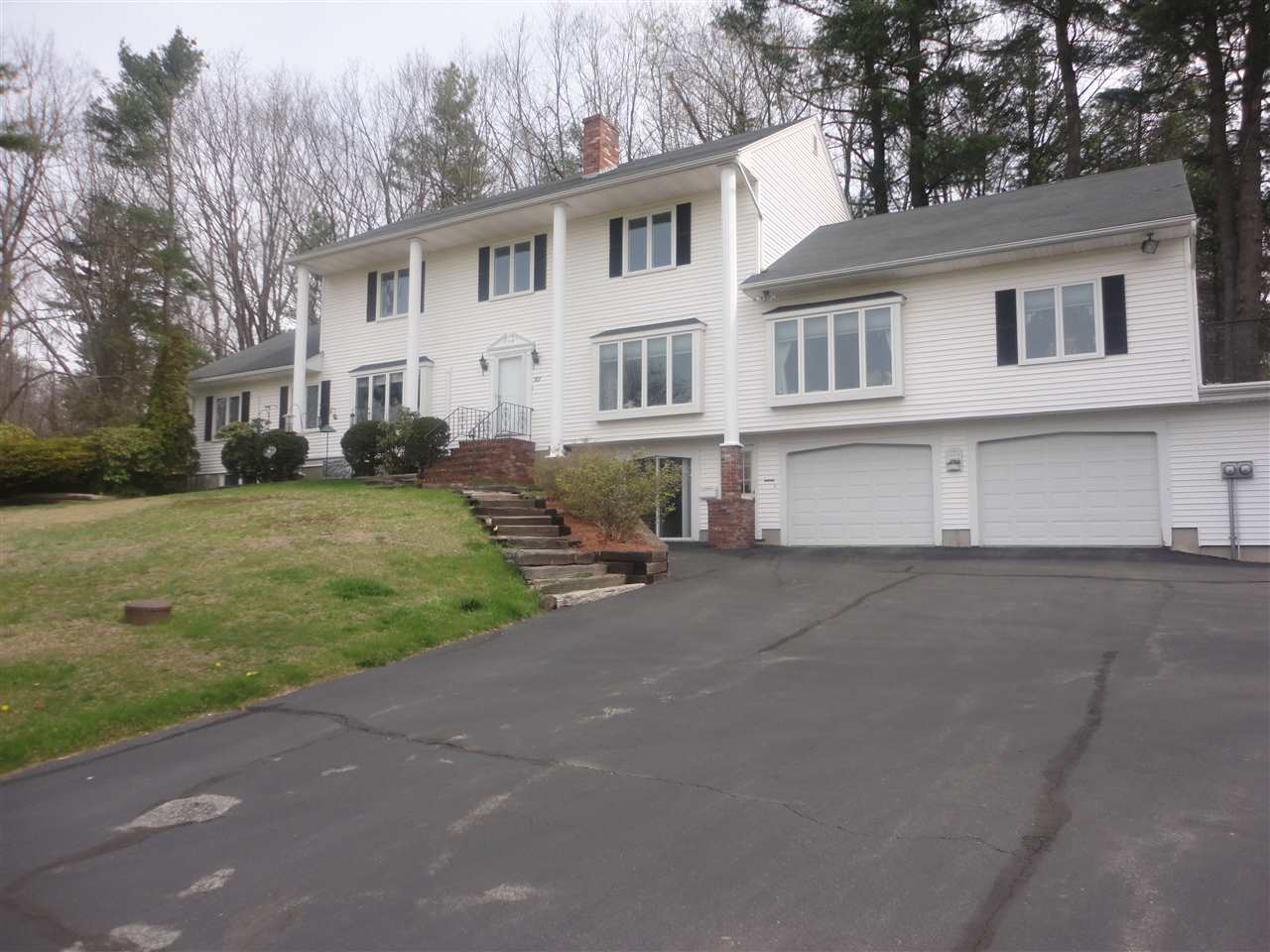 SALEM NH Condex for rent $Condex For Lease: $1,700 with Lease Term
