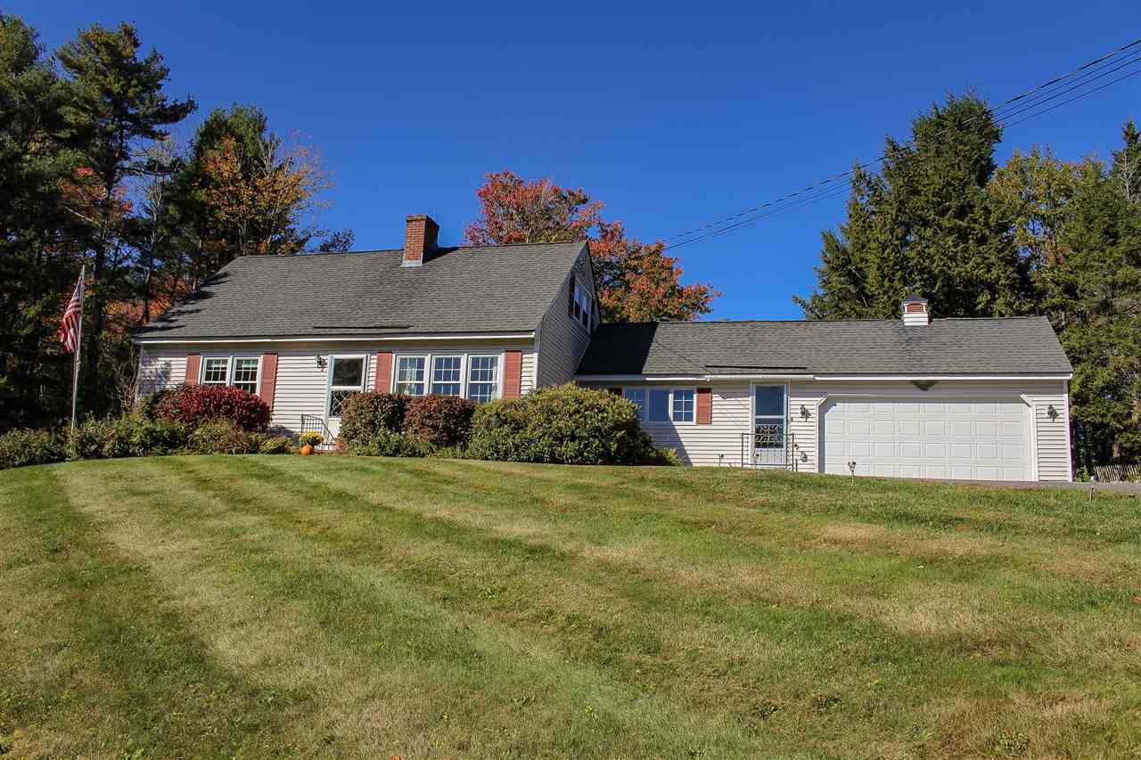 NEW LONDON NH Home for sale $$329,000 | $187 per sq.ft.