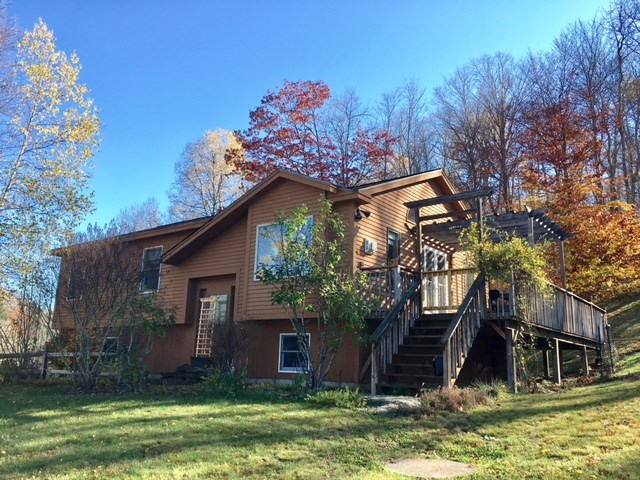 Pomfret VT Home for sale $List Price is $264,500