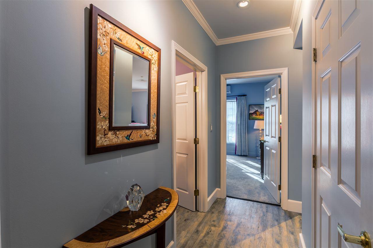 Hallway to Bedroom 11165645
