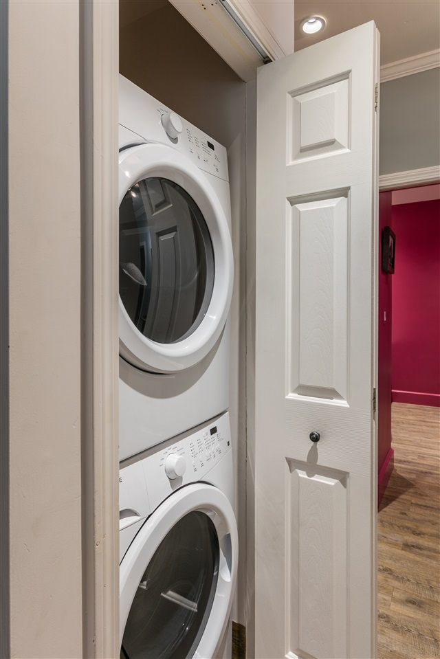 Laundry in kitchen 11165659