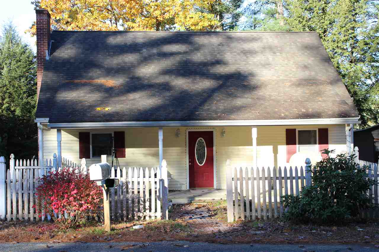 WINCHESTER NHLake House for sale $$435,000   $246 per sq.ft.
