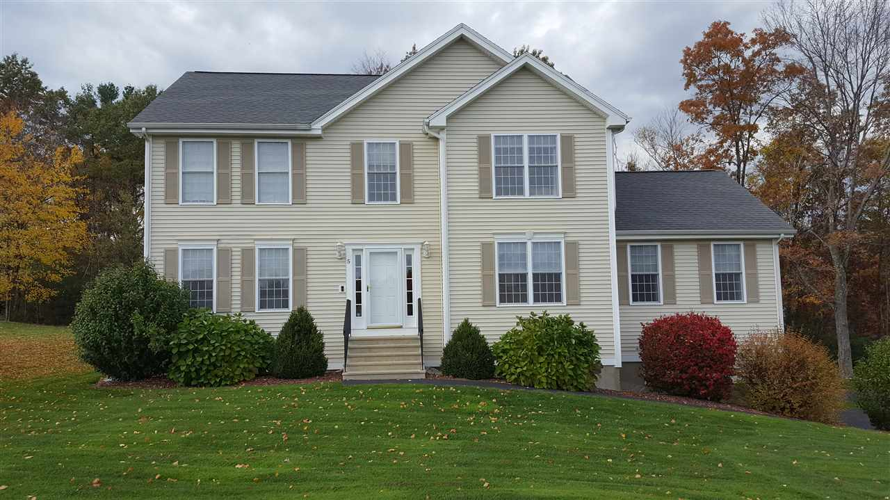 MANCHESTER NH Home for sale $$417,000 | $163 per sq.ft.