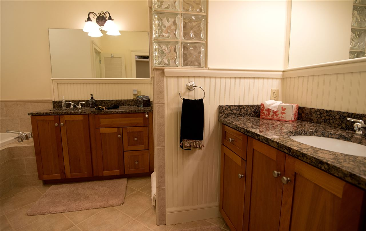 master bath with double sinks 11182489
