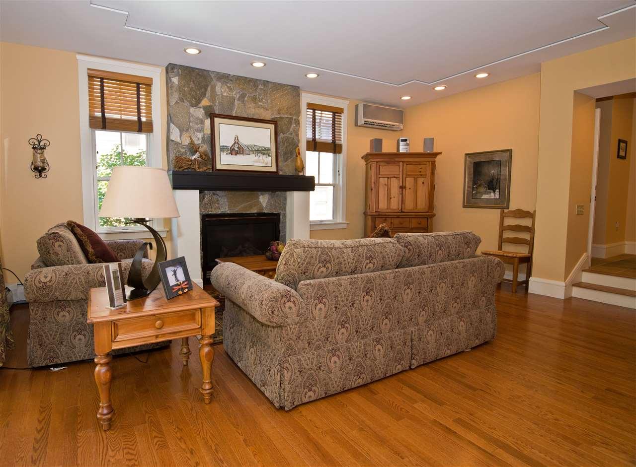 hardwood oak flooring 11182463