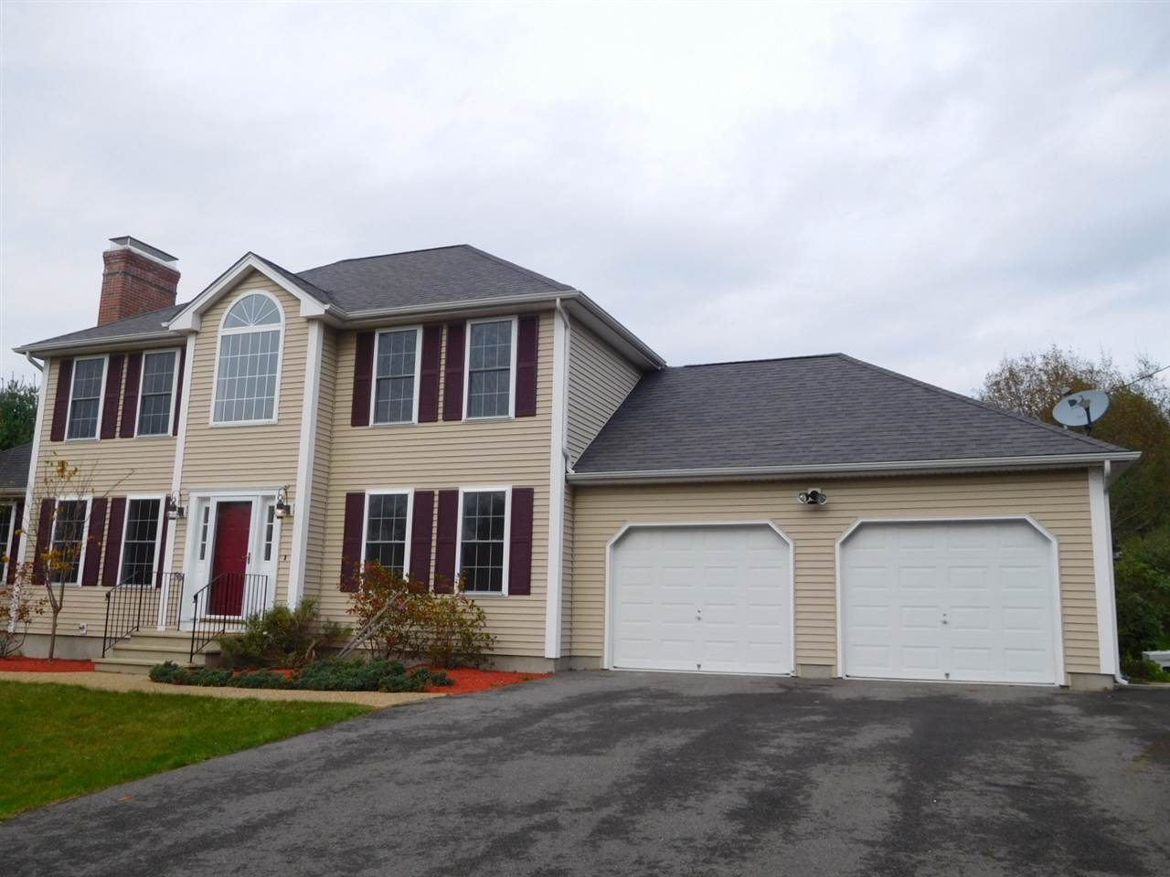Candia NH Home for sale $List Price is $359,900