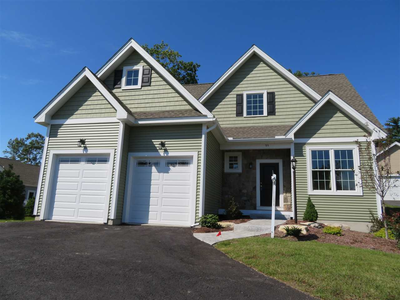 Manchester NHCondo for sale $List Price is $412,056