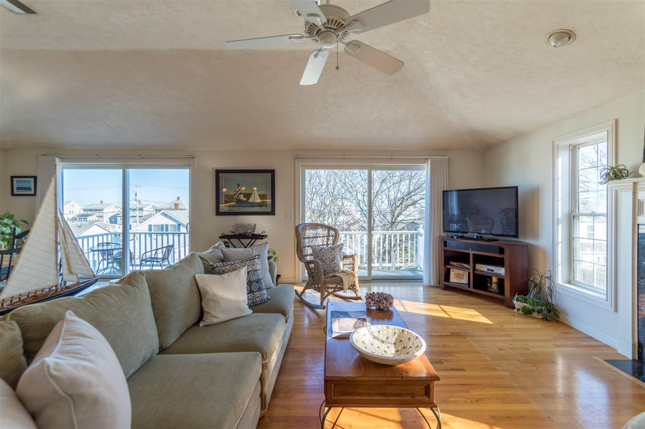 HAMPTON NHHome for sale $$664,900 | $274 per sq.ft.