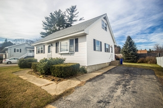 Goffstown NH Home for sale $List Price is $234,900