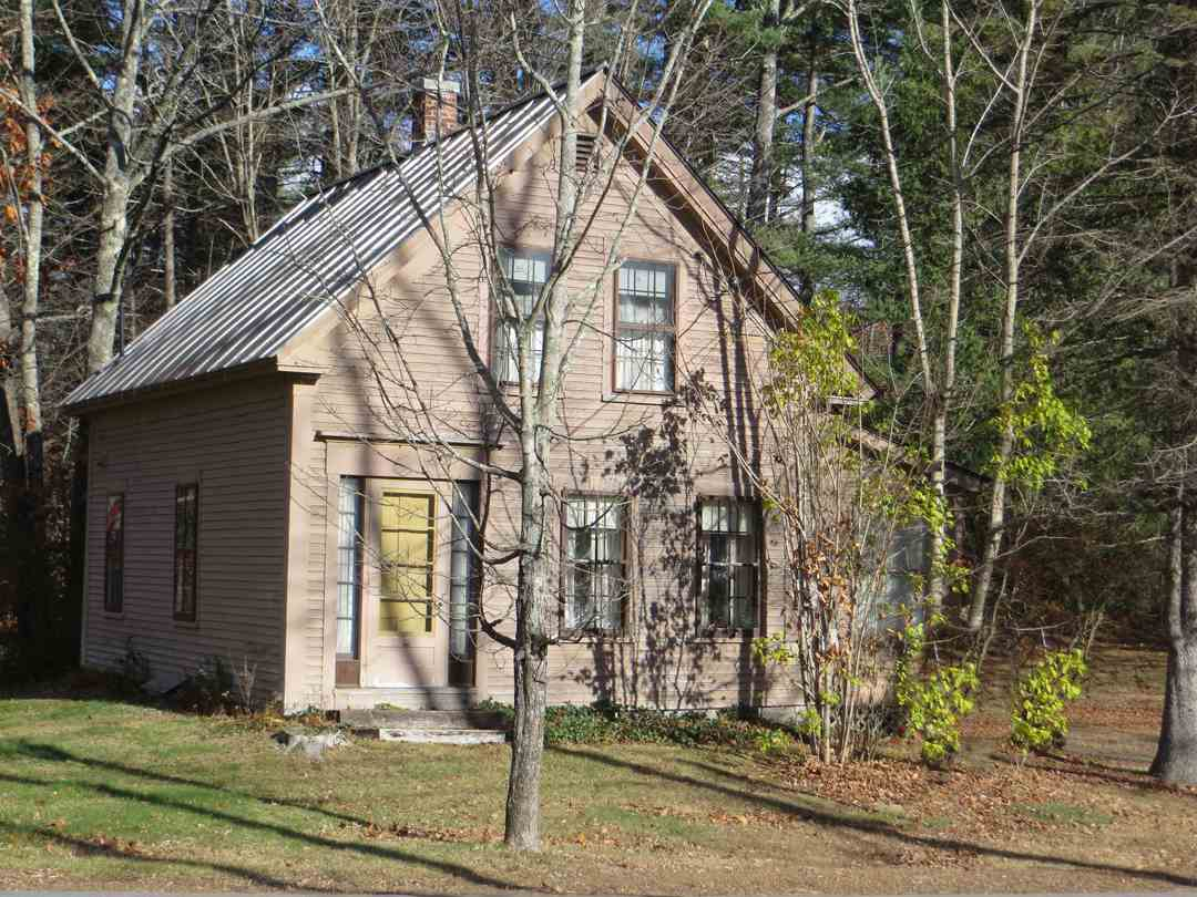Moultonborough NH Home for sale $$189,700 $121 per sq.ft.